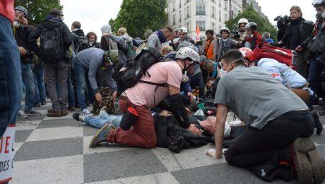 Street médics à Paris le 14 juin 2016
